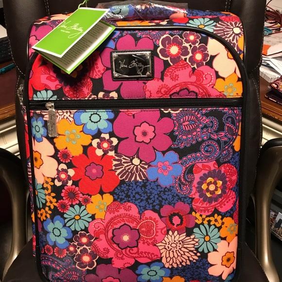 "7c724eb763 Vera Bradley 22"" Spinner Luggage Flora fiesta NEW!"